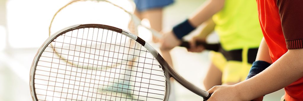 https://www.sportsengine.com/ui_themes/assets/latest/images/portal/banners/tennis_coed_teen-1.jpg